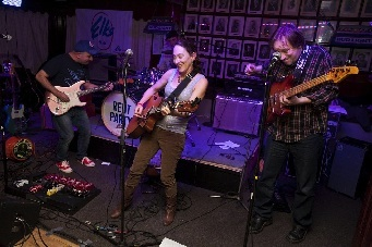 Rocking with The Laughing Boys: Tom Lucas (l) and Ed Iglewski (r), Dave Hartkern on drums. (Photo by George Kopp)